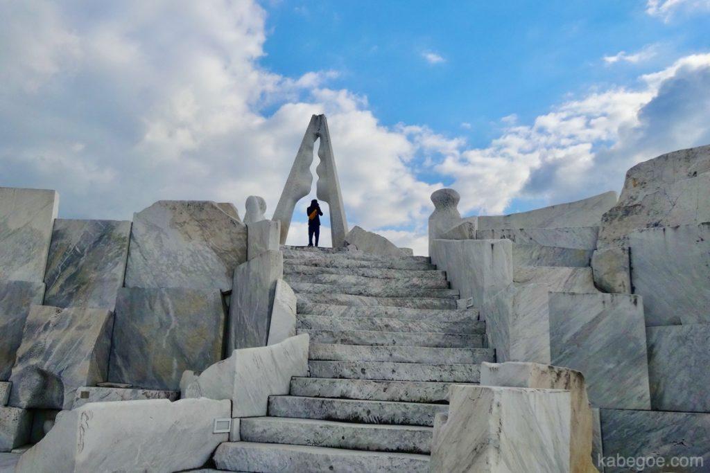 耕三寺の未来心の丘