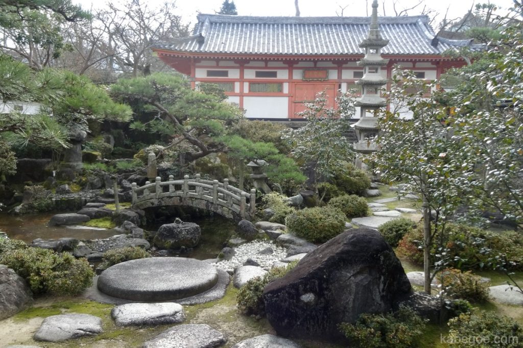 耕三寺の庭園