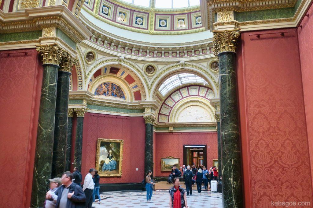 ロンドン・ナショナル・ギャラリーの内観