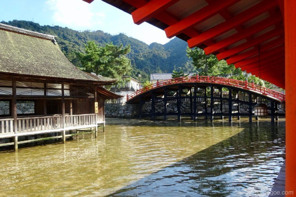 厳島神社の満潮時