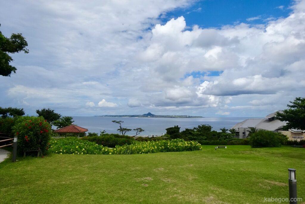 沖縄の海の風景