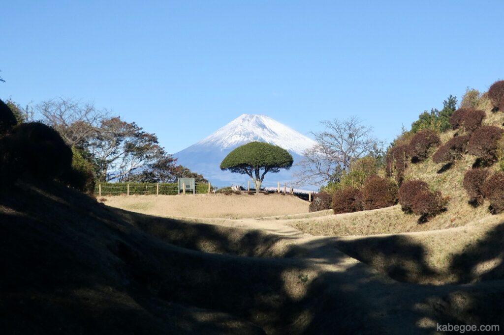 Pemandangan Reruntuhan Kastil Yamanaka
