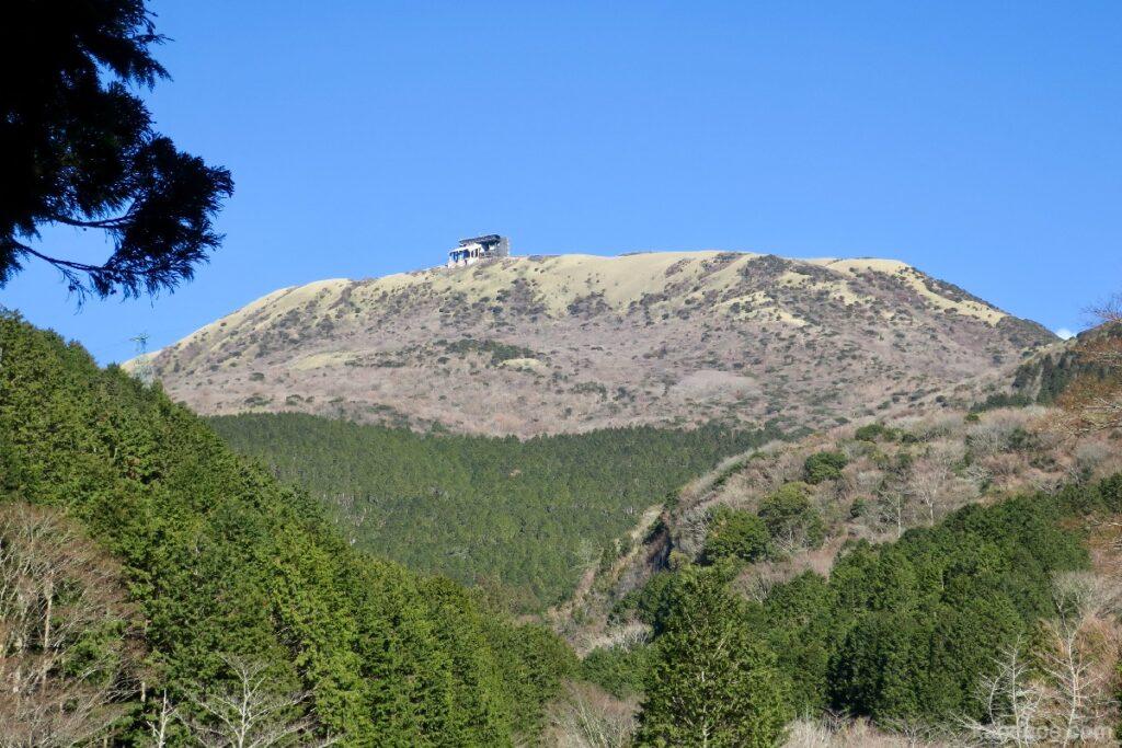 地上から見た箱根の駒ヶ岳