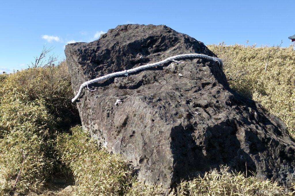 駒ヶ岳ロープウェーの頂上の馬降石