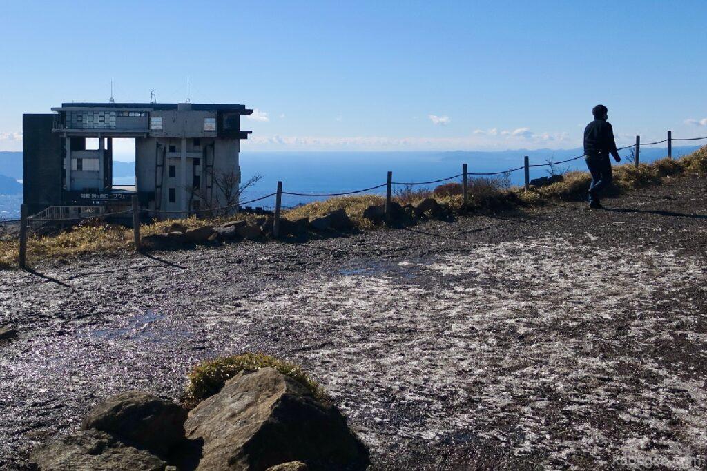 駒ヶ岳ロープウェーの頂上の泥道