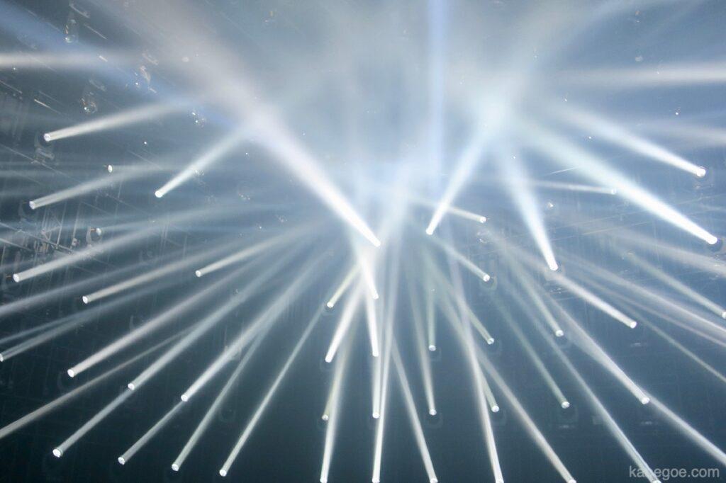 チームラボ ボーダーレスの「ライト・スカルプチャー」