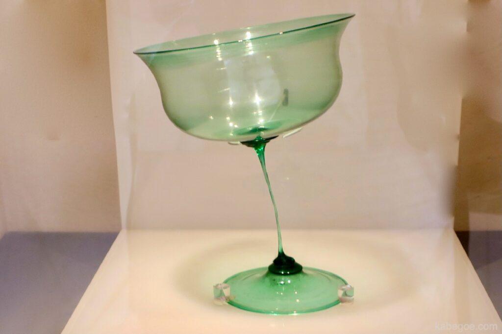 """""""Vetro che ondeggia al vento"""" di Giuseppe Baroviere all'Hakone Glass Forest Museum"""