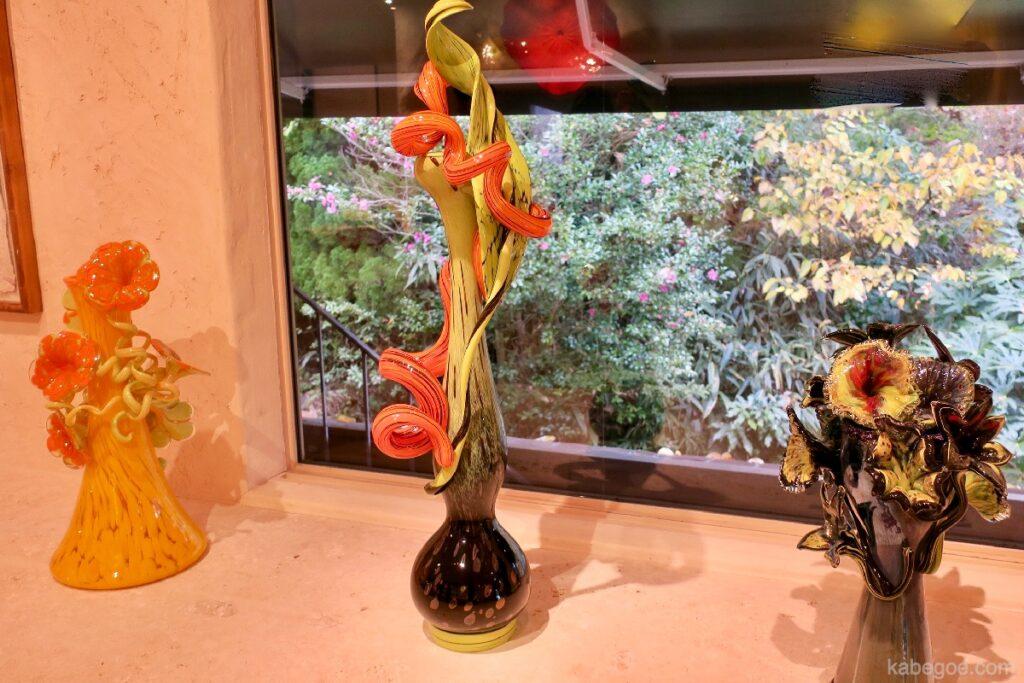 La serie di Ikebana di Dale Chihuly all'Hakone Glass Forest Museum