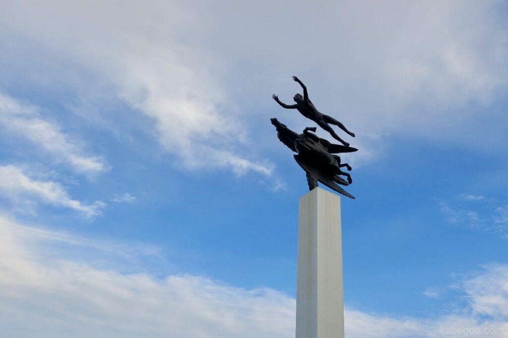 箱根彫刻の森美術館のカール・ミレス「人とペガサス」