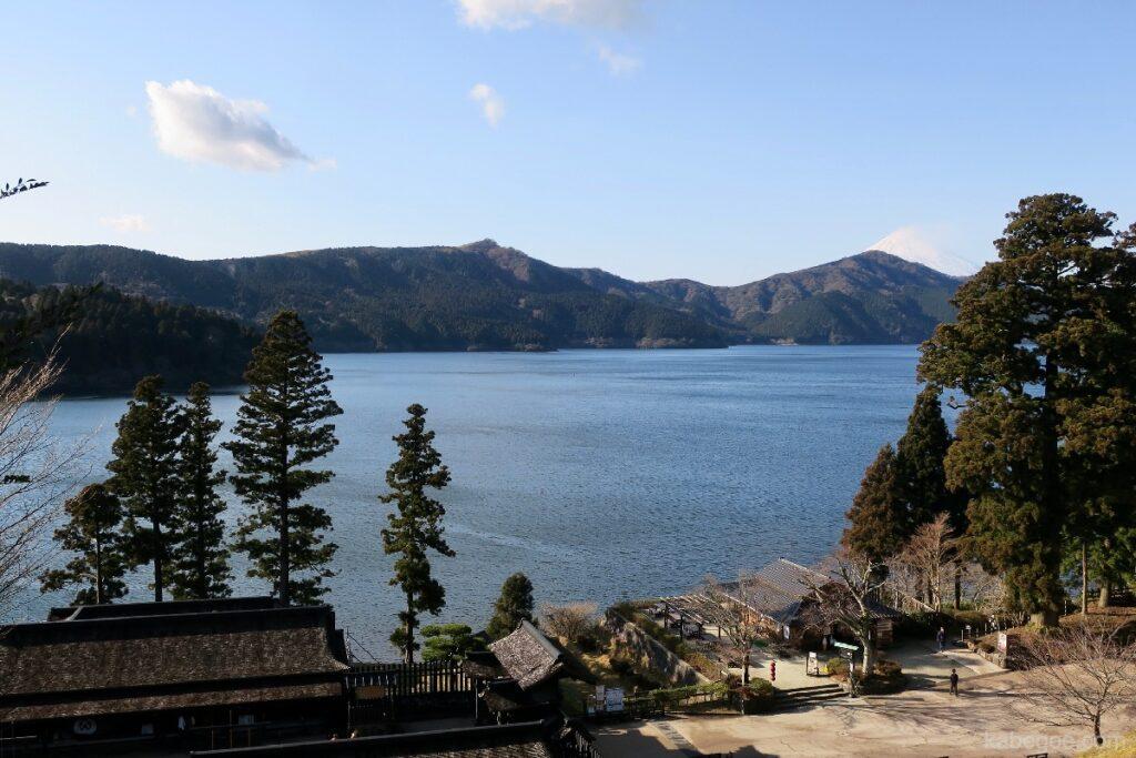 Pemandangan Danau Ashi dari Hakone Sekisho