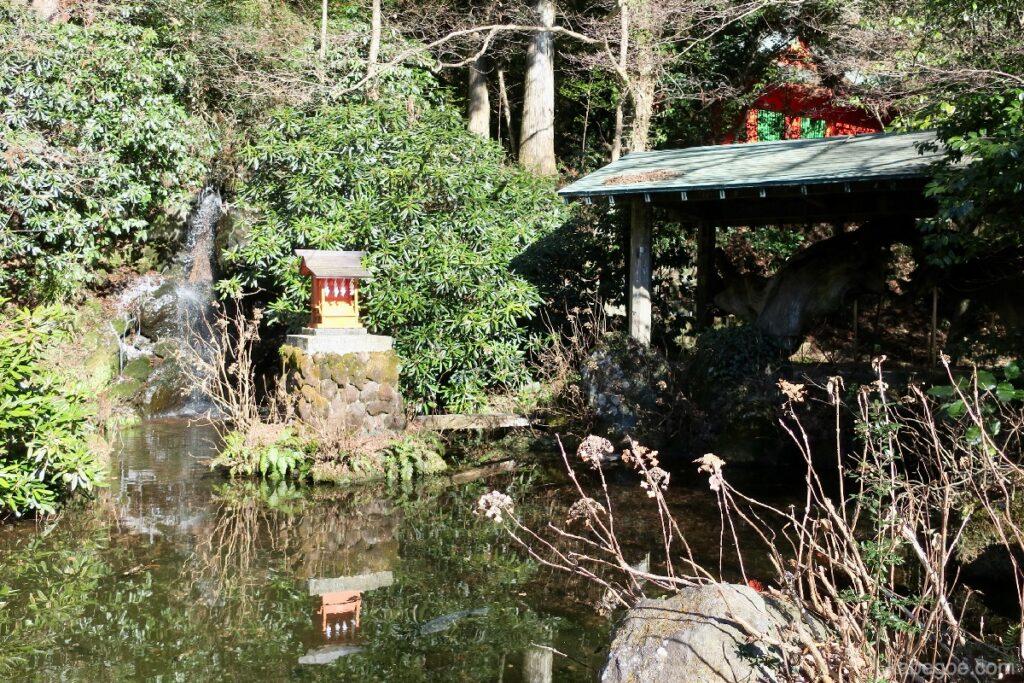Benzaiten di Kuil Hakone