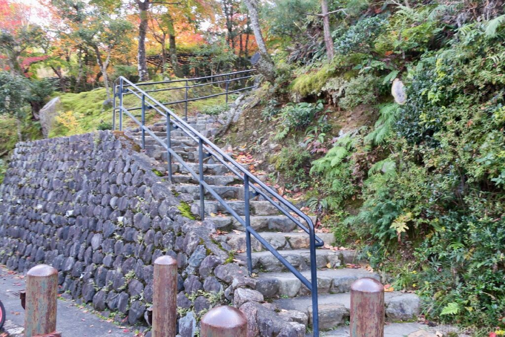 Pintu Masuk Kuil Adashino Nenbutsuji