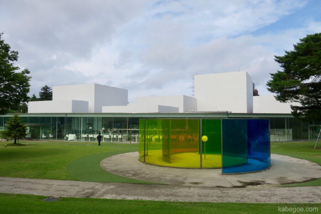 21 -р зууны орчин үеийн урлагийн музейн гадна тал, Каназава